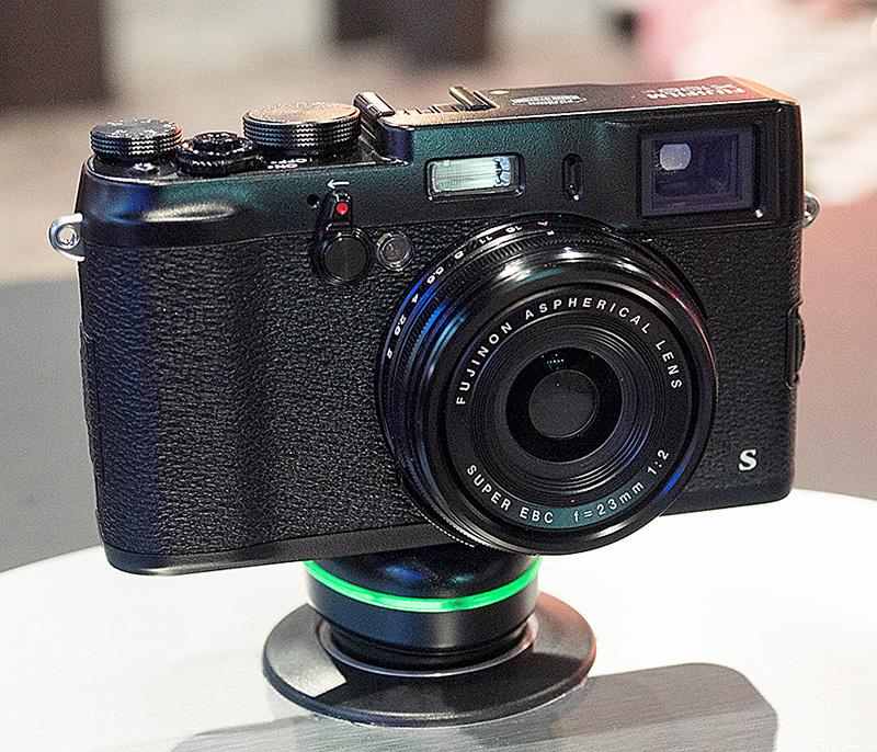 4-Fuji-X100S-Black2