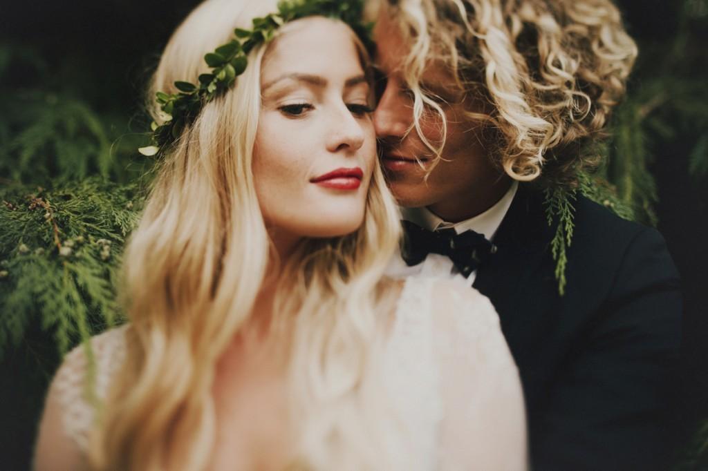 Logan-Cole-Photography-Samuel-Hildegunn-Taipale-wedding-france-01071-1024x682
