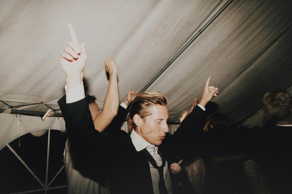 Logan-Cole-Photography-Samuel-Hildegunn-Taipale-wedding-france-01271-1024x682