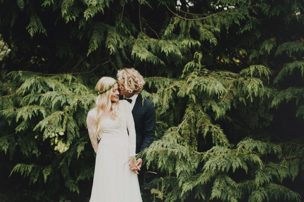 Logan-Cole-Photography-Samuel-Hildegunn-Taipale-wedding-france-01581-1024x682