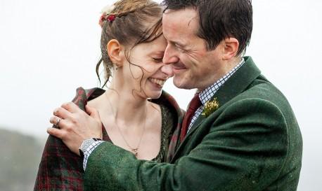 A (Rainy) Scottish Hilltop Ceremony by Lynne Kennedy [RF Wedding of the Week]