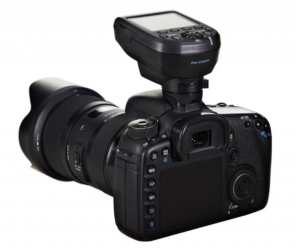EL-Skyport-Transmitter-Plus-HS-OnCamera-001