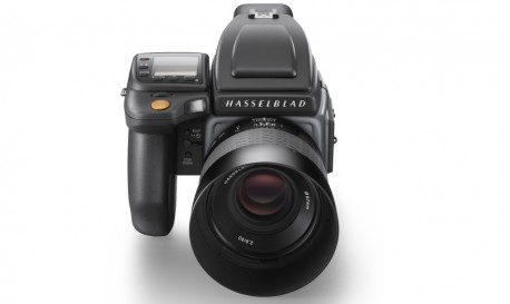 Love Pixels? You'll Love Hasselblad's H6D Medium Format Camera System