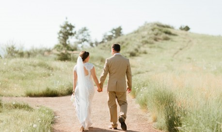 Despite Rattlesnake Bite, This Groom Makes It to His Wedding Reception!