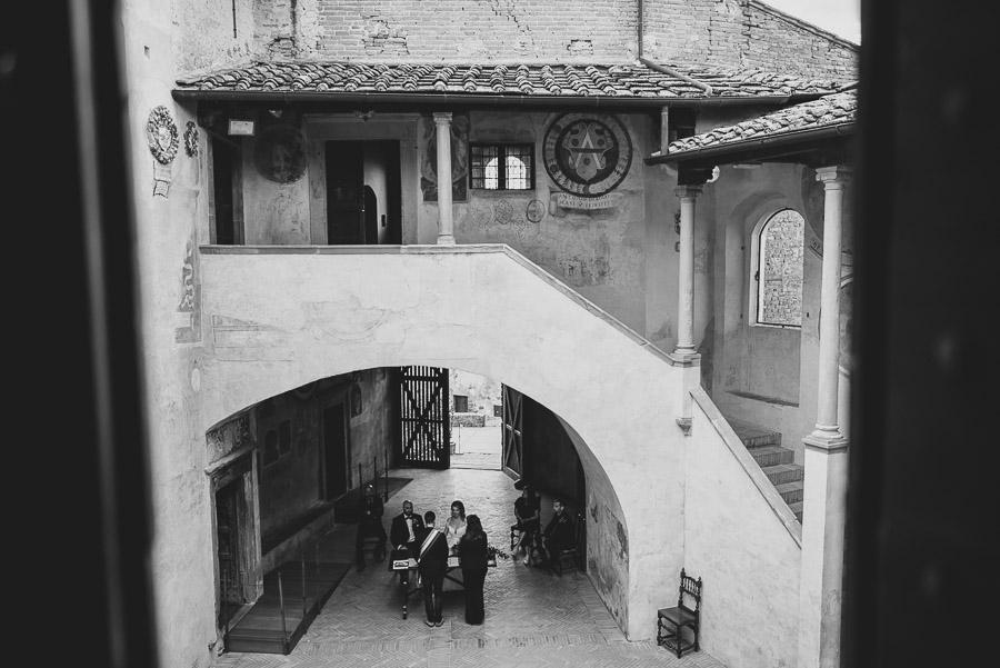 romantic-italian-elopement-in-tuscany-photographs-1058
