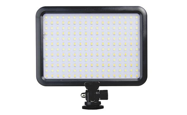1-ledvideolight-b3810040d9