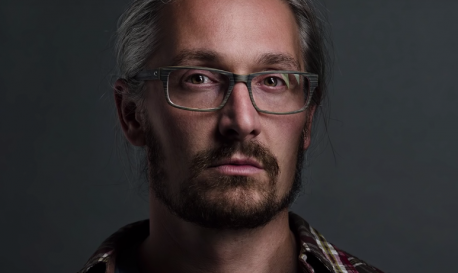 How to Take Better Portraits with Just One Light
