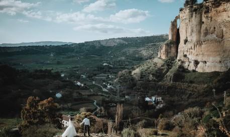 Lush Rivers, Deep Ravines and Sweet Fairy Tales, by Tu Nguyen [Rf Wedding of the Week]