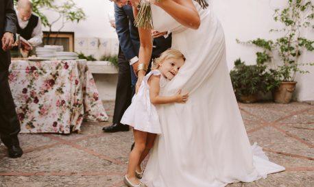 Little Girl, Big Hug [Rf Photo of the Day]
